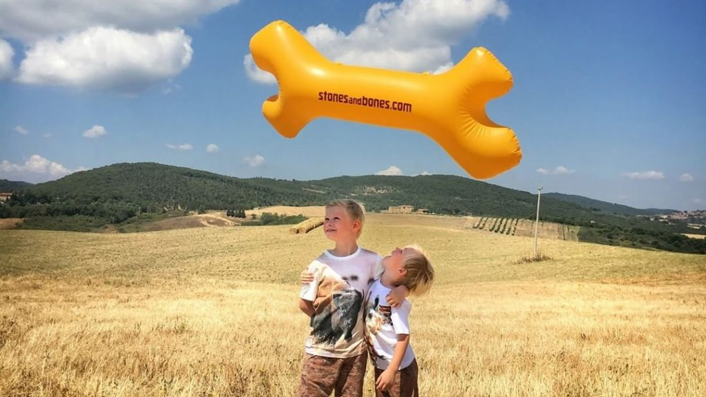 Publi air - opblaasbare botten inflatable bones premiums - fun - zomergadgets