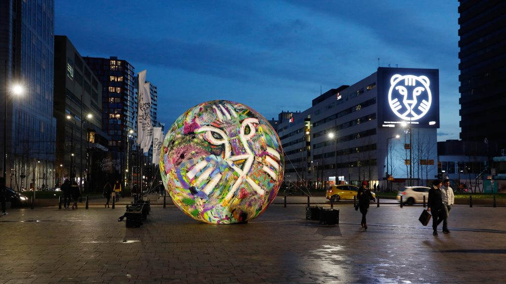 IFFR Sphere Publi air opblaasbare ballon