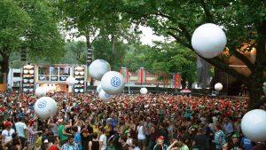 Crowd balls - Publi air VW event