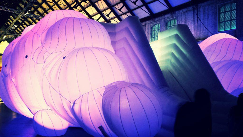 Trust the cloud kunst project - valkussen - Publiair