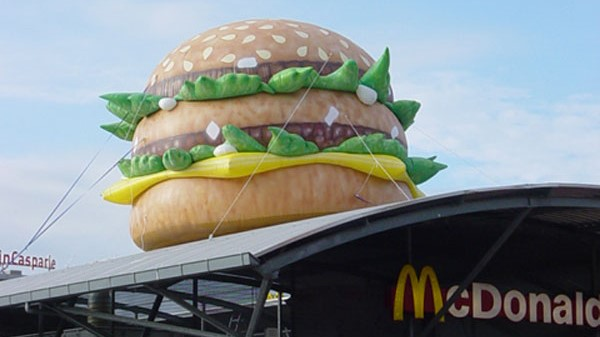 Opblaasbare hamburger blowup - Publi air McDonalds bigmac inflatable burger