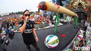 Opblaasbare bal - Publi air- Q-dance crowd balls inflatables- Festical - Defqon