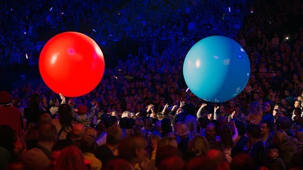 opblaasbare-crowdball-studio100-sintshow-inflatable-BE-Publi air