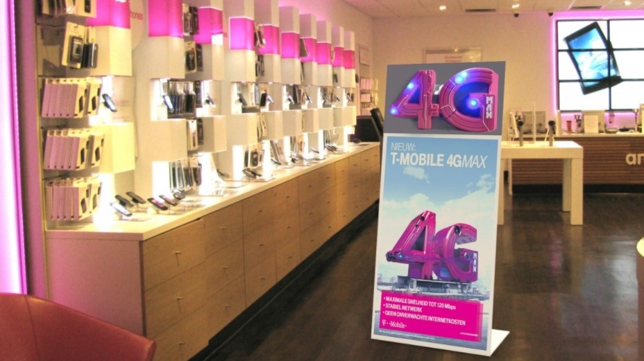 Displays - Publi air T-mobile 4G display instore advertisement