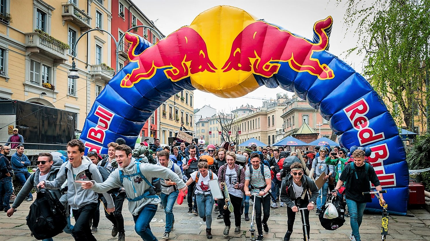 Opblaasbare maatwerk boog - Redbull start finish boog hardlopen inflatable custom made arch