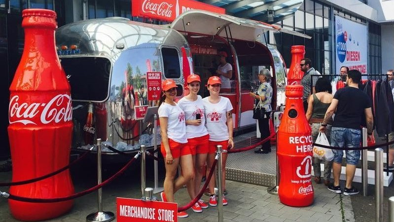 publi air- coca cola - solid - permanent- bottle -fles