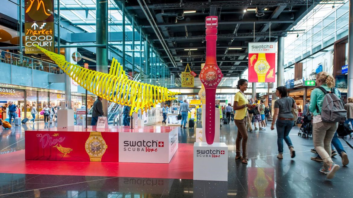 Display theatre - Publi air Swatch Dofin- schiphol - airport - luchthaven