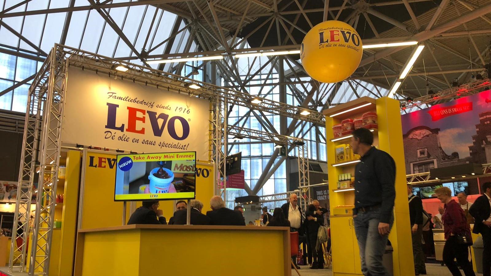 Levo - crowdball - beurzen - reclame - opvallen - inflatable - publi air