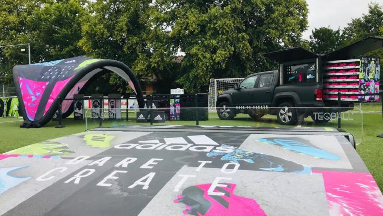 Adidas opblaasbare dome tent sportmarketing campagne – Publiair