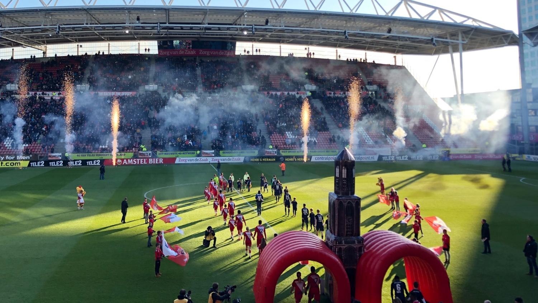 FC Utrecht opblaasbare tunnel sportmarketing – Publiair
