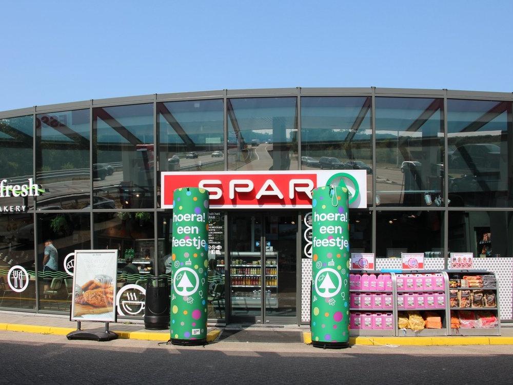 Spar-supermarkt-gevelaankleding-opening-retail