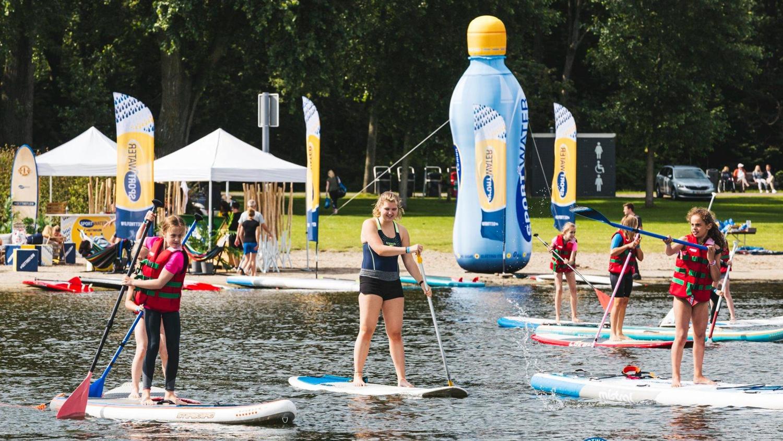Sportwater AA-drink opblaasbare fles sportmarketing – Publiair