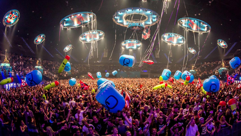 opblaasbare festival items en publieks ballen en inflatables - crowd balls