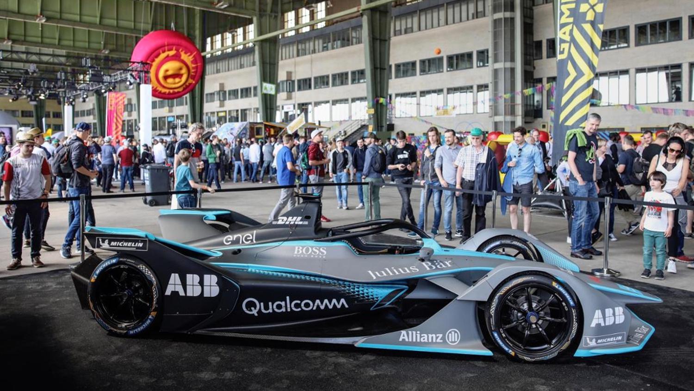opblaasbaar logo - evenement aankleding - Formule E