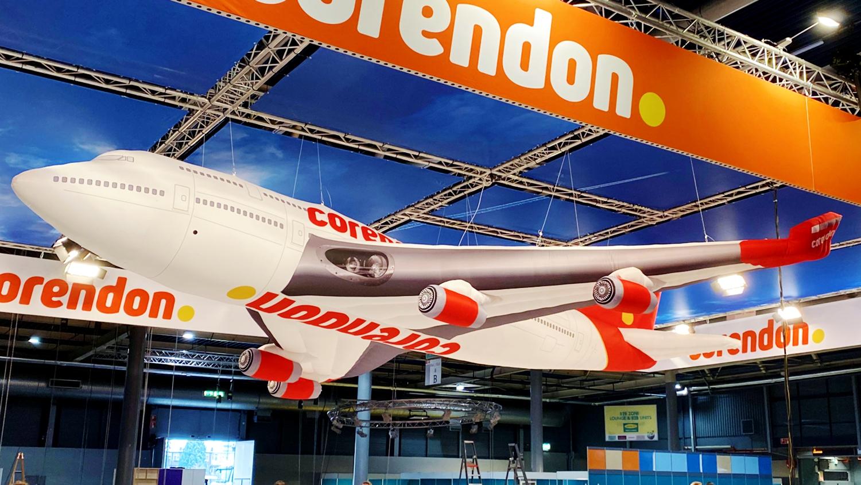 opblaasbaar vliegtuig - Coredon inflatable airplane - Vakantiebeurs
