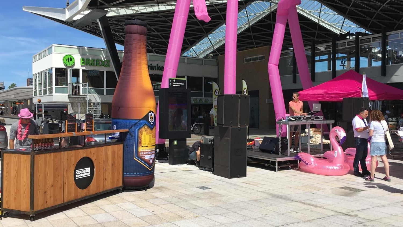 opblaasbare bierfles en skytubes- Standsbrouwerij merk activatie